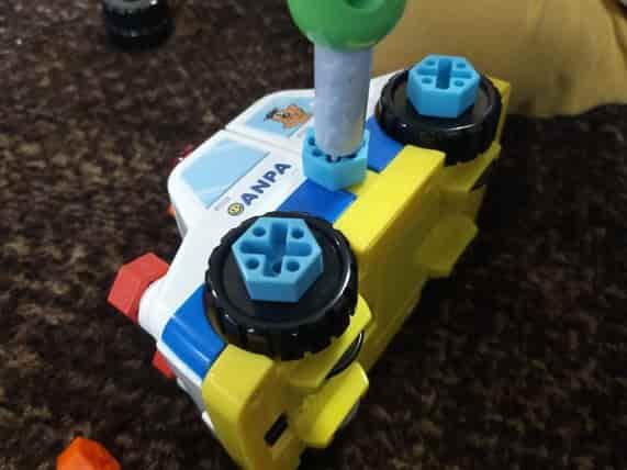 アンパンマンDIY ねじねじチェンジはたらくのりものパトカーの作り